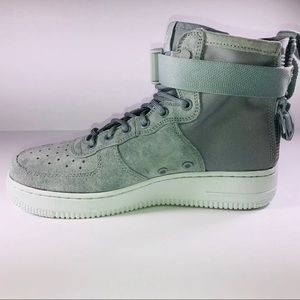outlet store 7e703 d1566 Nike Shoes - Women Nike Special Field AF1 Mid Light Punice Shoe
